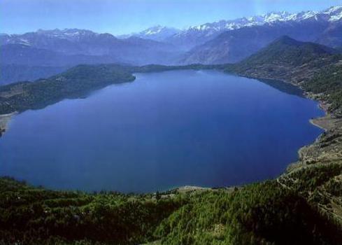 Arey (jezero): opis, ostatak, ljekovita svojstva vode