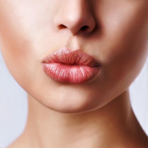 Carmex balzam za usne: čarobni štapić u izvanrednim situacijama