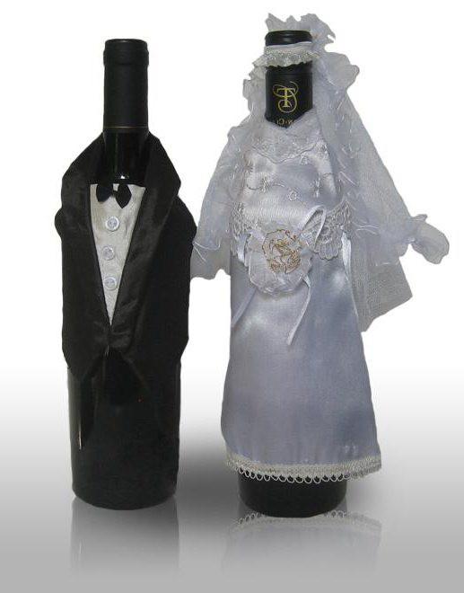 bocu šampanjca za vjenčanje sa svojim rukama
