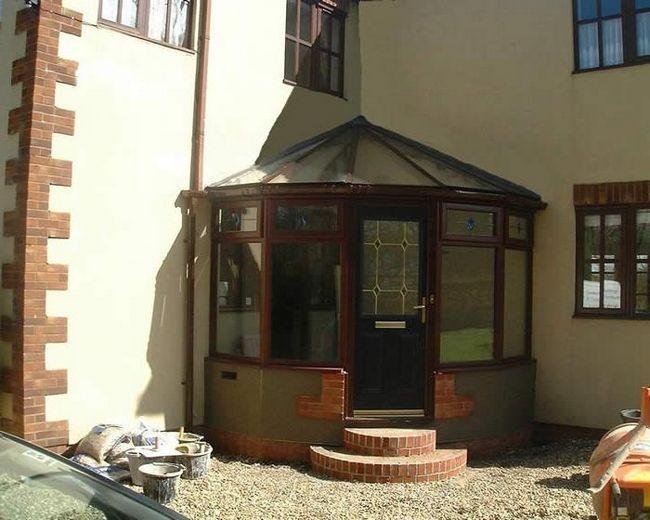 trijem krovom od polikarbonata