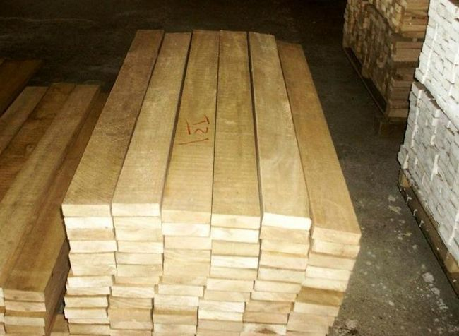 деревянный брусок