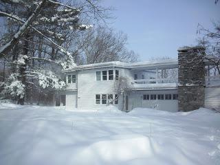 Kuća sa ravnim krovom. fotografija