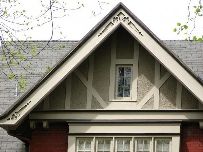 деревянный фронтон