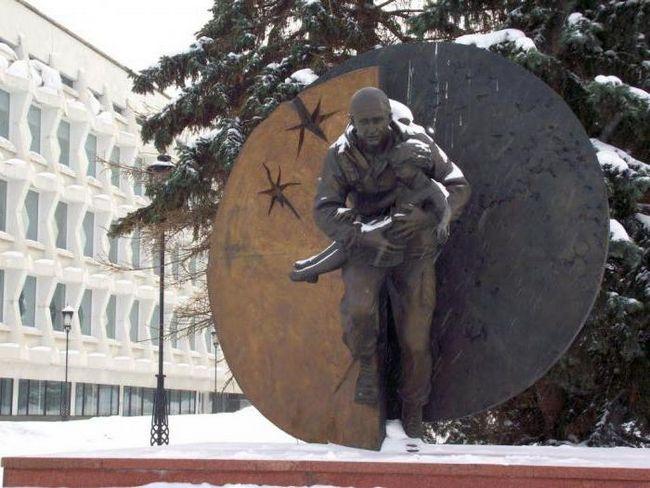 spomenik Dmitry Razumovsky