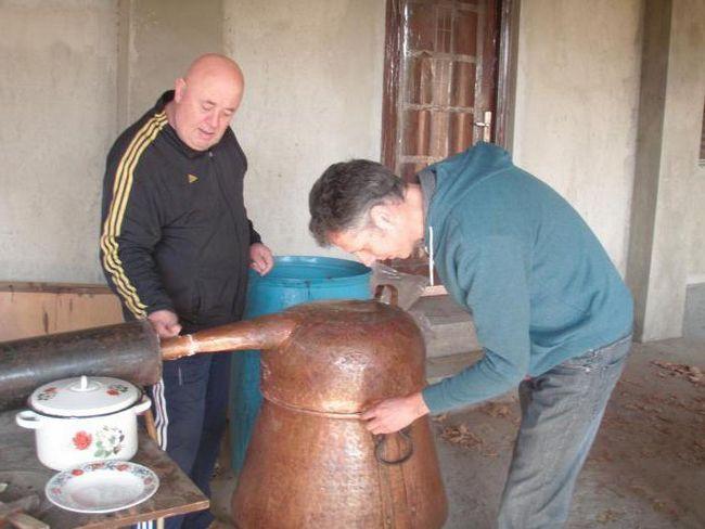 Gruzijski ChaCha. Koje piće i kako pripremiti nacionalno piće?