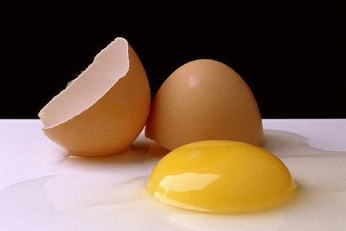 Яичные желтки для волос: рецепты масок