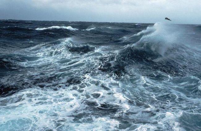 sanjati velike valove na moru