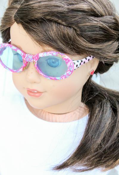 Как для куклы сделать очки: мастерим из подручных материалов
