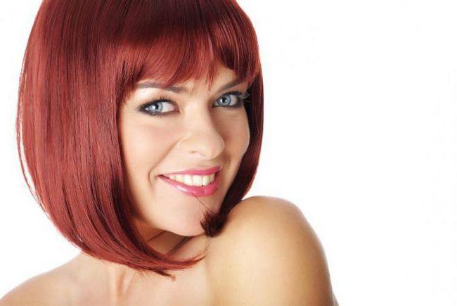 Kako najbolje bojiti kosu: s prljavom ili čistom kosom?