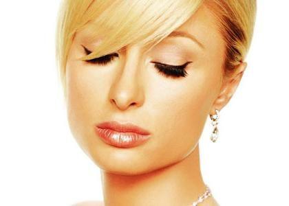 Kako nacrtati strelicu na oči? Saznajte kako napraviti savršen make up na oči