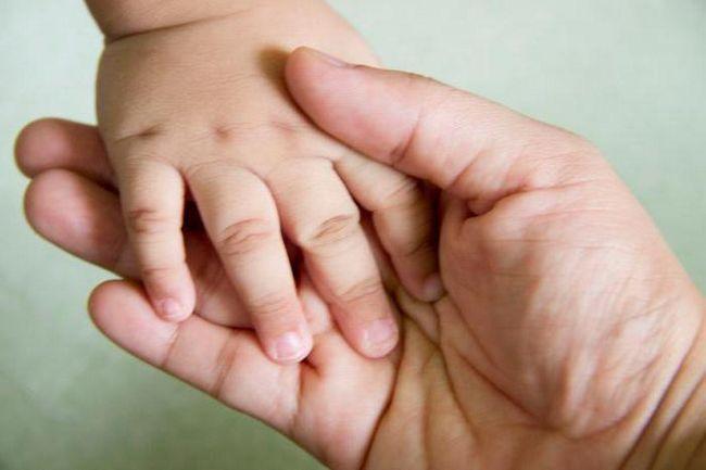 Как новорожденному стричь ногти: рекомендации и особенности
