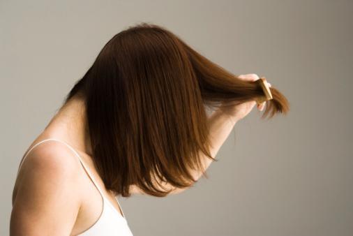 Как расчесывать волосы правильно после мытья?