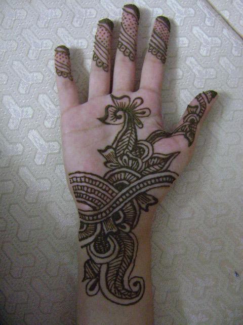 Как рисовать на руке хной правильно и красиво? Зачем рисуют хной на руках?