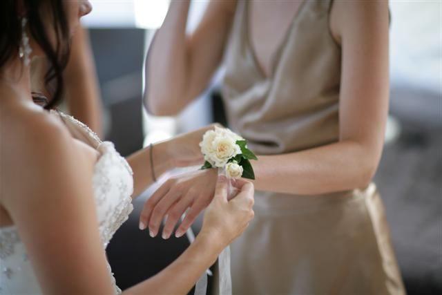Как сделать браслет для подружек невесты: оригинальные идеи