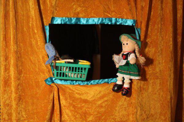 Kako napraviti lutkarsko pozorište sa rukama u vrtiću i kod kuće