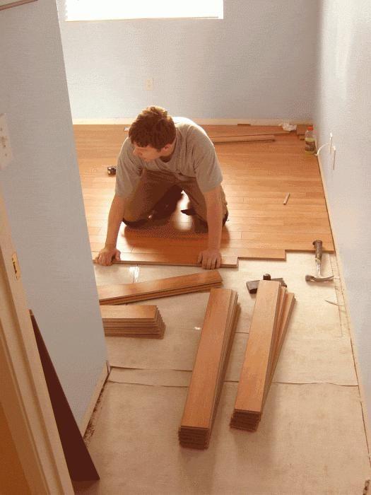 poravnajte starog drvenog poda