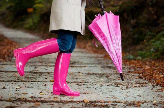 Как заклеить резиновые сапоги? Способы ремонта резиновой обуви
