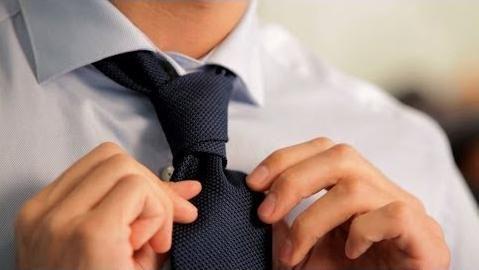 Как завязать галстук на свадьбу? Галстук для жениха: способы и правила