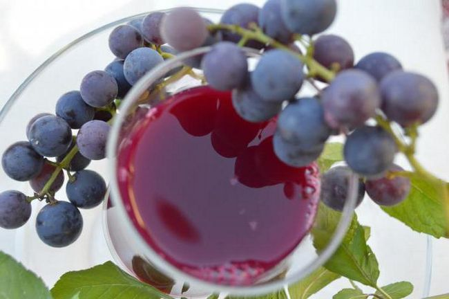 Когда ребенку уже можно давать виноград?