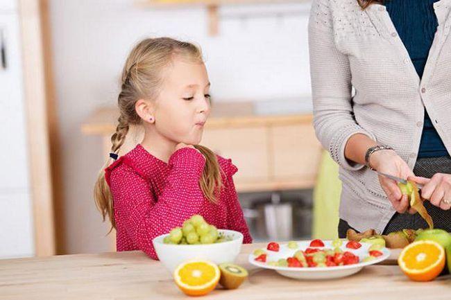 Когда ребенку можно давать виноград?