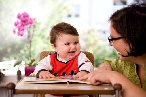 Когда начинают разговаривать дети? Как помочь им научиться говорить?