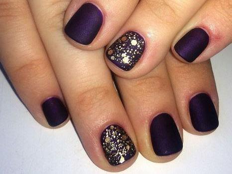 Lijepa manikura na malim nokte kod kuće (fotografije)