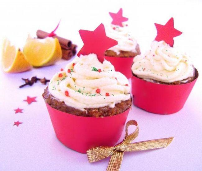 Krema cupcakes sa šlagom