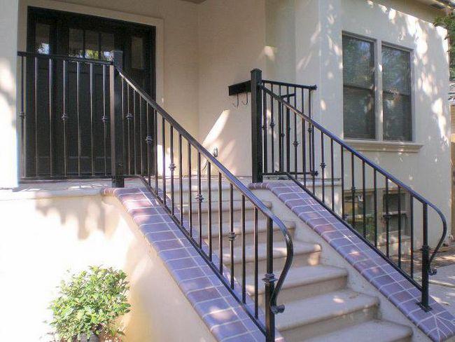 металлическая лестница для крыльца