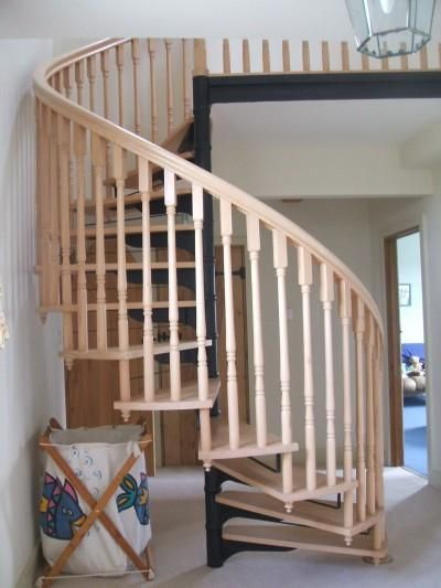 spirala drvene stepenice