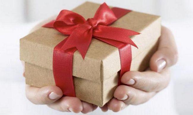 Лучший подарок женщине на 45-летие: идеи и советы