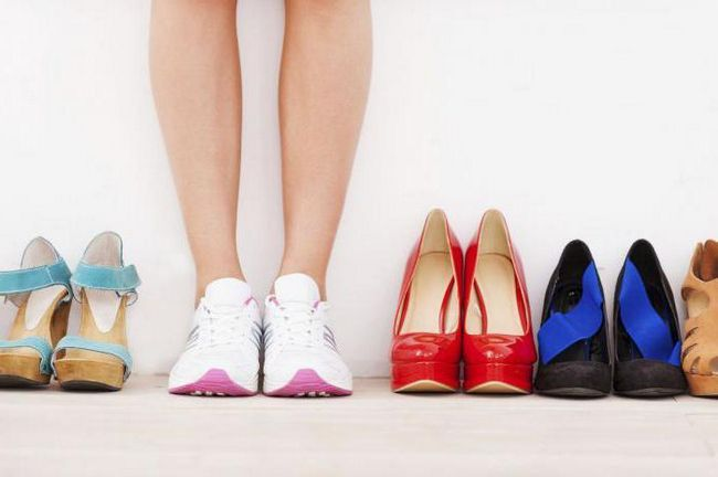 Натирает обувь - что делать? Как разносить новую обувь в домашних условиях