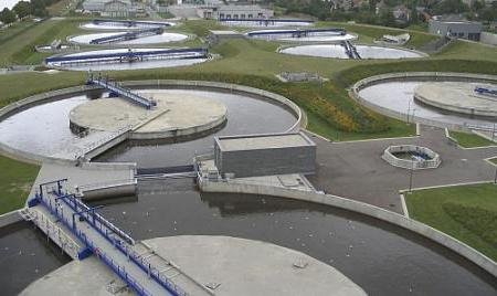 Postrojenja za preradu kanalizacije otpadnih voda iz domaćinstava. kanalizaciju