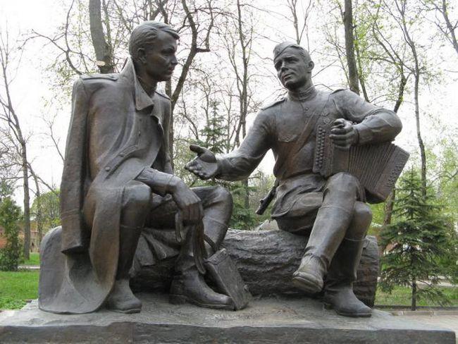 памятники Победы в Смоленске