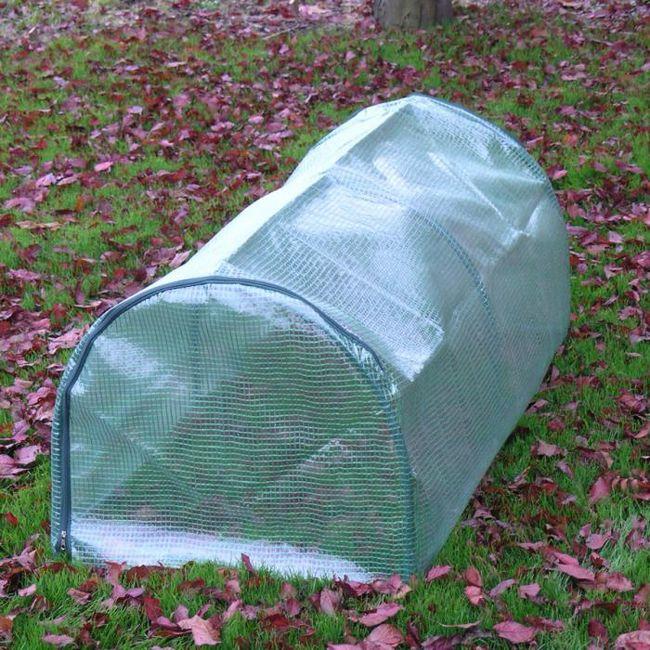 Greenhouse žitnica od polikarbonata, sa svojim rukama
