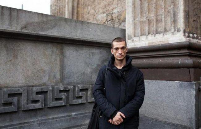 Petr Petr Pavlensky - ruskog umjetnika aktsionist: biografija, kreativnost