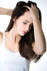 Почему болят корни волос на голове?