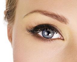 Полуперманентное восстановление бровей - современная альтернатива косметическим карандашам