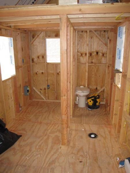 построить душ-туалет на даче