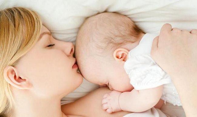 Dobar prilog uz dojenje: preporukama držanje