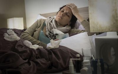 При кашле отдает в голову: основные причины и лечение