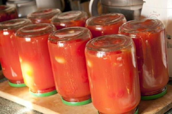 Jednostavan recept za paradajz u vlastitom soku bez sterilizacije