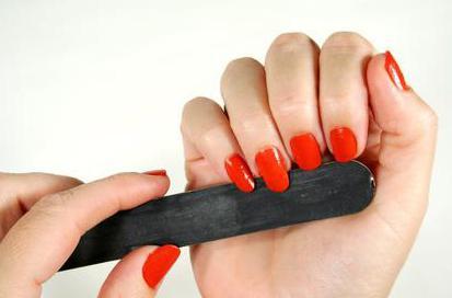 Ребристые ногти на руках: причины и лечение