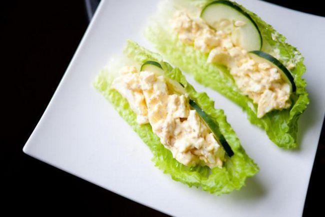 Салат из огурцов и яиц: рецепты и особенности приготовления