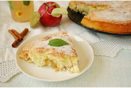 Pita od jabuka sa jabukama i cimetom meda