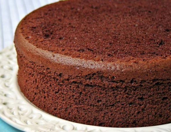 čokolada biskvit u multivarka