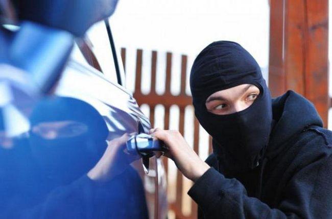 sonnik ukradeni automobil