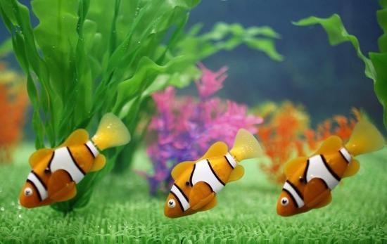 Igračka robot riba