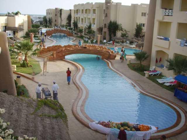 sunce plaža borj sedria Sun Beach Resort 4