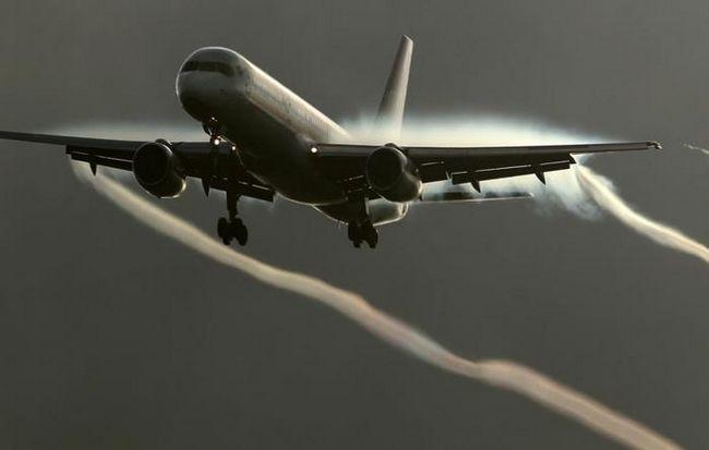 hit avion turbulencije