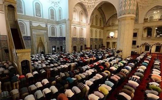 Muslim molitvi petkom